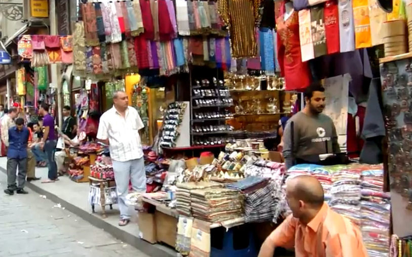 A travellers guide for egypt tours for Shopping in cairo